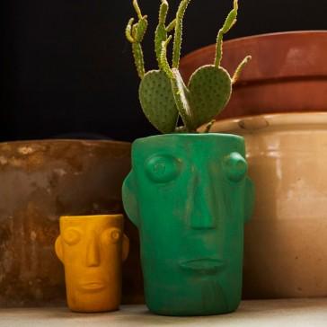 Vases de la collection Cabeza par Kitsch Kitchen
