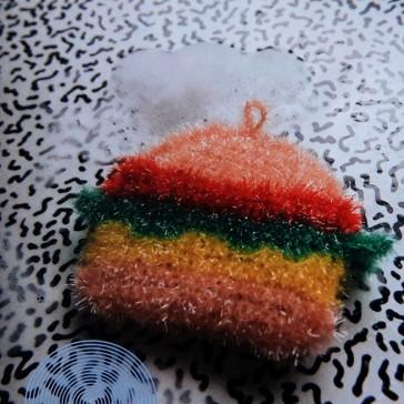 Modèle d'éponge à crocheter avec la laine Creative Bubble de Rico Design