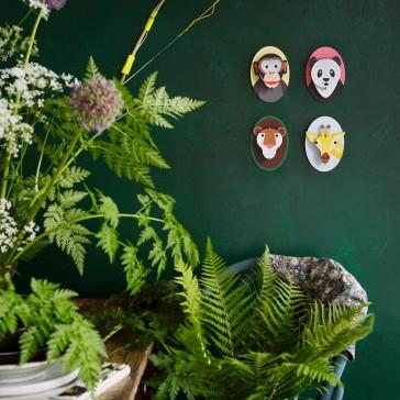 Collection de créations en carton à assembler pour le mur d'une chambre d'enfant par studio ROOF