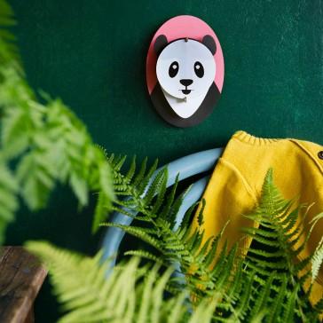 Décoration murale façon portrait d'un bébé panda par studio ROOF