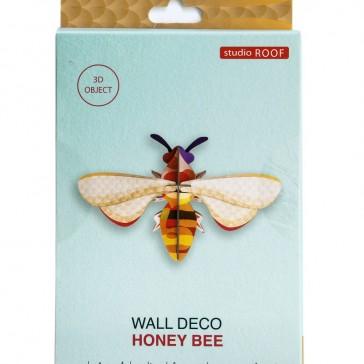 """Emballage du modèle de la Décoration murale à assembler """"Honey Bee"""" par studio ROOF"""