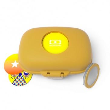 Boîte à goûter pour enfant jaune moutarde par Monbento