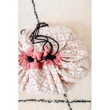 Tapis de jeux rose corail en coton qui se transforme en sac de rangement par Play&Go