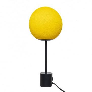 Lampe à poser en fils tissés jaune mimosa par La Case de Cousin Paul