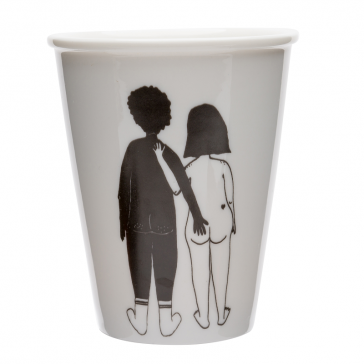 "Tasse en porcelaine ""Black man & white woman"" par helen b"