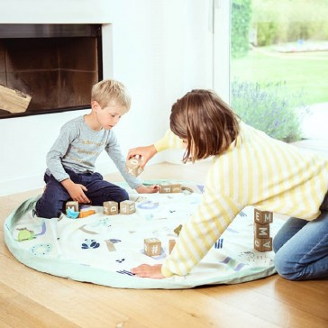 Grand tapis rond pour jouer et qui devient sac pour ranger les jouets par Play&Go