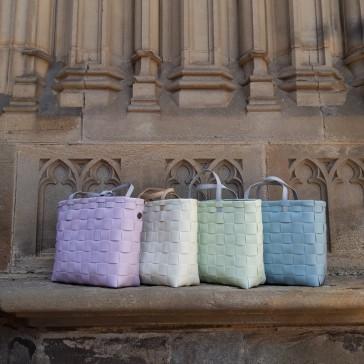Collection de sacs façon cabas modèle Petite par Handed By