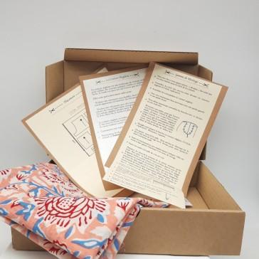 Box de couture Short léger en coton indien fleurs rouges fond corail par Maison Pouic