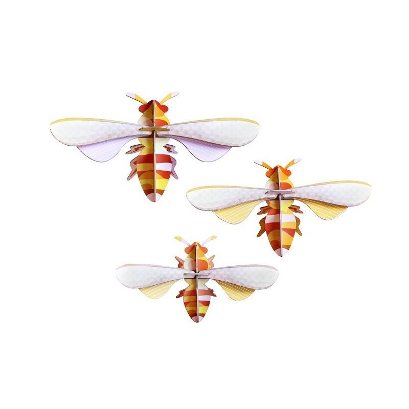Set de trois abeilles en carton à assembler par Studio Roof