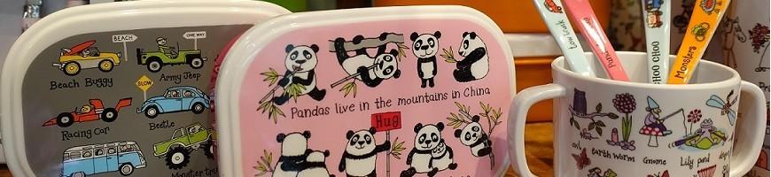 Tout pour le repas des tout-petits: assiettes, couverts, bols, gobelets, gourdes, boîtes à goûter pour enfants